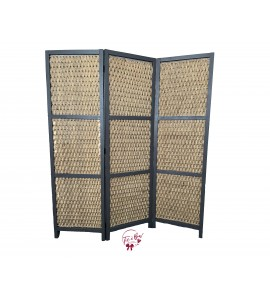 Backdrop: Rattan Privacy Screen