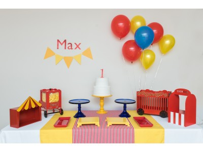 Circus Themed Table