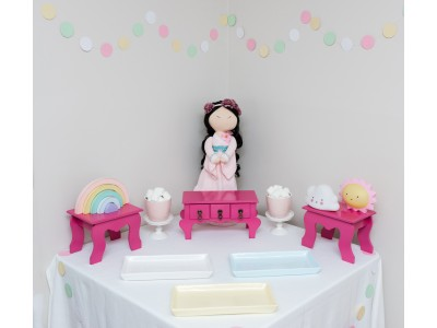 Doll Themed Table